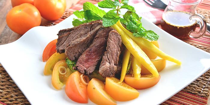 BBQ Beef Mango Salad from Chef Wan