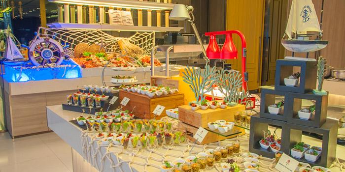 International Buffet from Albricias at Chatrium Residence Sathon, Soi Naradhiwas 24, Bangkok