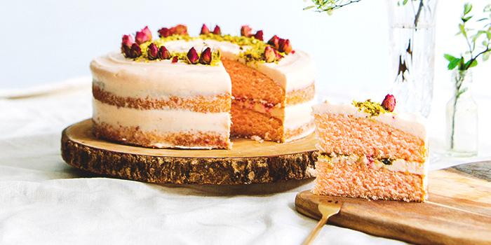 Rose Raspberry Pistachio Cake from Shop Wonderland in Telok Ayer, Singapore