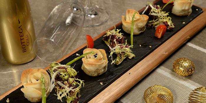 Homemade wine abalone, Wulu Bar & Restaurant, Tsim Sha Tsui, Hong Kong