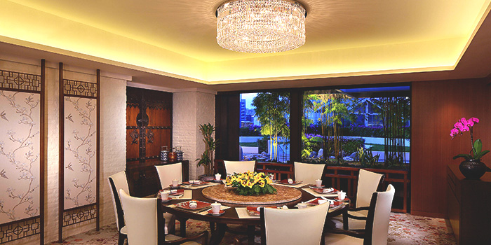 Private Dining Room of Cherry Garden in Mandarin Oriental in City Hall, Singapore