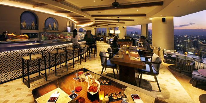 Dining Area from UNO MAS at Centara Grand at Central World, Rama 1 Road, Bangkok