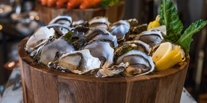 Fresh Oysters from River Barge Restaurant at Chatrium Hotel Riverside, Bangkholame, Bangkok