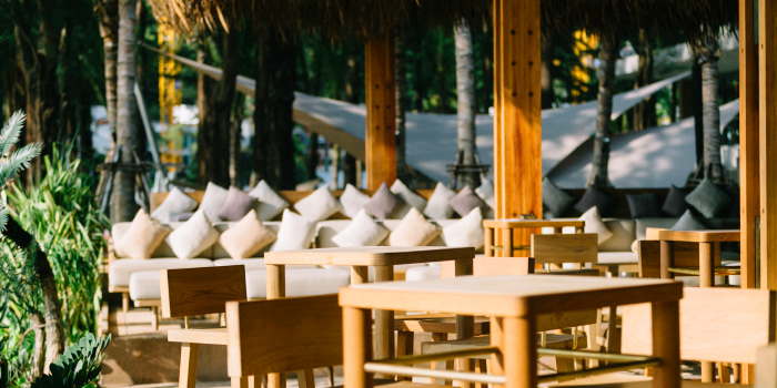 Beach-Side-Dining of Cafe Del Mar in Kamala, Phuket, Thailand.