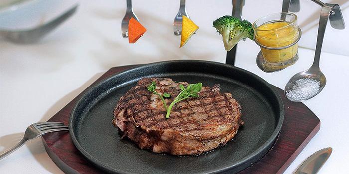 Beef Steak from Lawry