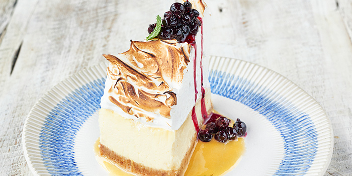 Lemon Meringue Cheesecake from Jamie