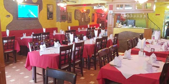 Restaurant-Ambiance of  Salute Italian Restaurant in Patong, Phuket, Thailand.