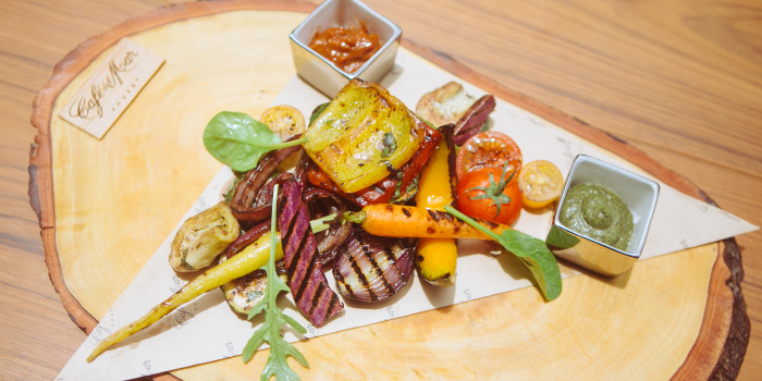 Vegetables-Platter from Cafe Del Mar in Kamala, Phuket, Thailand.