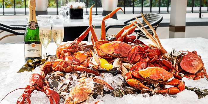 Mega Countdown Buffet (31 Dec) from ilLido at the Cliff in Sentosa, Singapore