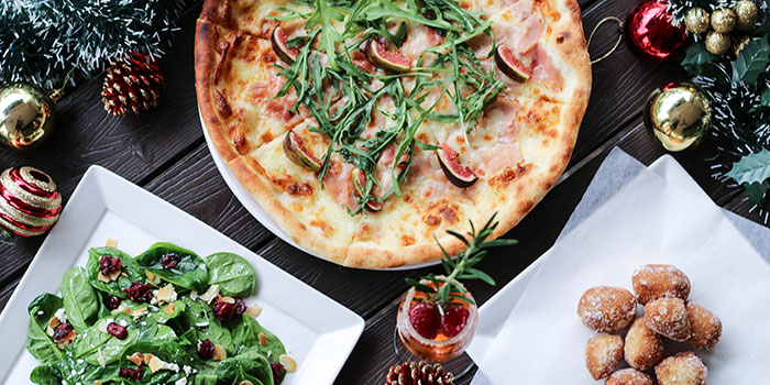 Christmas Food Spread (1-31 Dec) from Bella Pizza in Robertson Quay, Singapore