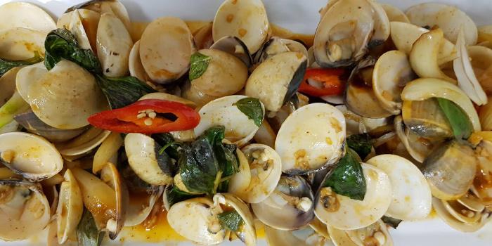 Phad-Cha-Hoi from Horn Grill in Kata, Phuket, Thailand