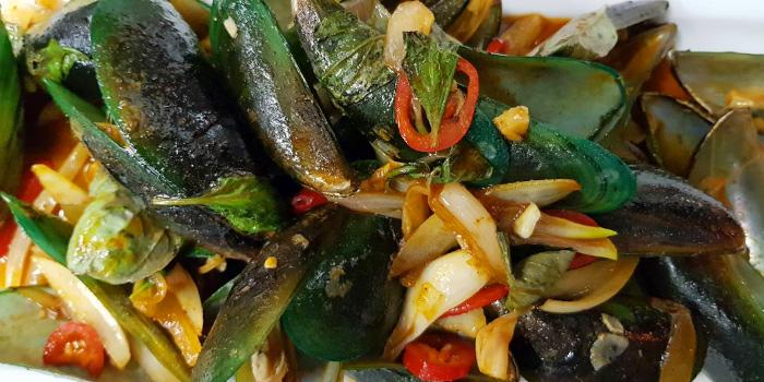 Phad-Prik-Hoi from Horn Grill in Kata, Phuket, Thailand