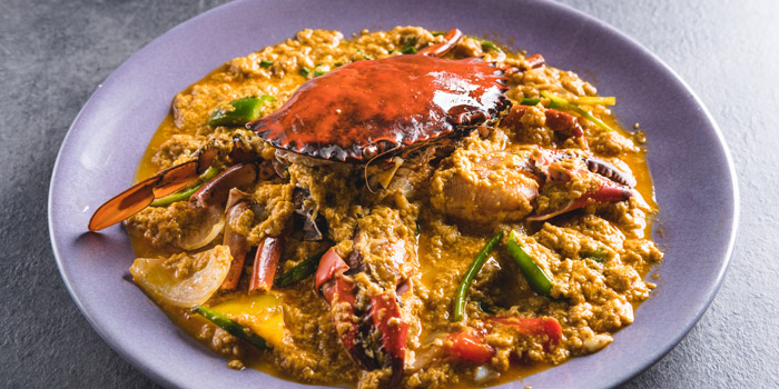 Stir Fried Yellow Curry with Crab from Kinkao at Central World 4,4/1-4/2 4/4 Ratchadamri Rd Pathumwan Bangkok