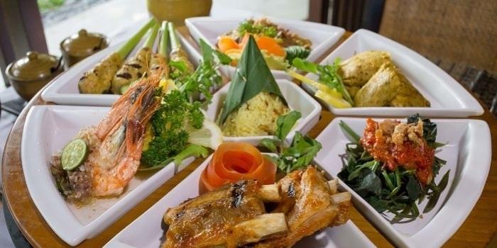 Balinese Rijstaffel at Gong Restaurant, Bali