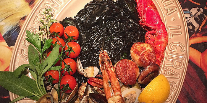 Spaghetti Squid Ink from It