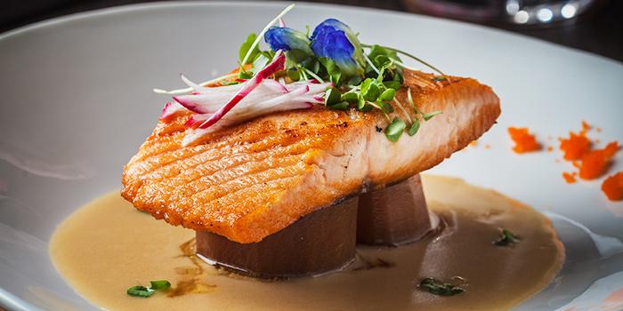 Grilled Salmon from Oh Chic Social Club & Eatery at Ekkamai 8/8 Sukhumvit 63 Prakanong Nua Wattana, Bangkok