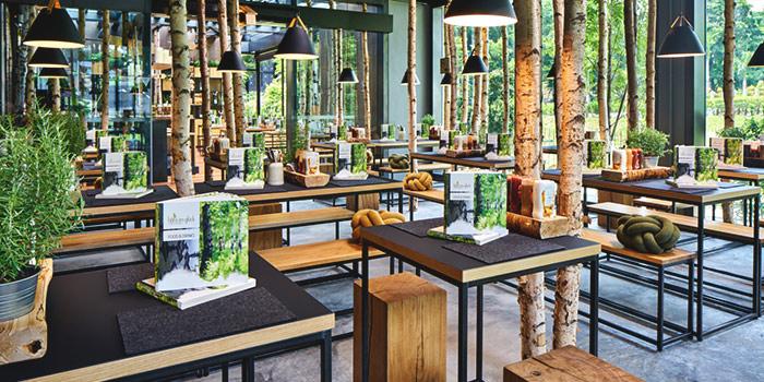 Interior of Hans Im Gluck German Burgergrill in Orchard, Singapore