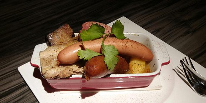 Magret de Canard Sauce aux Myrtilles, Le Cafe Du Mont Blanc, Happy Valley, Hong Kong