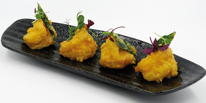 Sauteed Tiger Prawn with Salted Egg Yolk from Kuvo in Orchard, Singapore