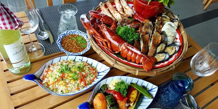 Carnelian-Lobster-Basket from Roy Dee Restaurant in Kata, Phuket, Thailand