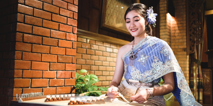 Classical Music Show from Thara Thong at Royal Orchid Sheraton Hotel & Towers, Bangkok