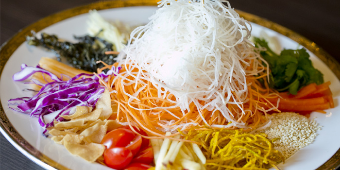 Yee Sang from Red Rose Restaurant & Jazz Bar at Shanghai Mansion in Yaowaraj Road, Samphantawong, Bangkok