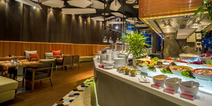 Crave Wine Bar & Restaurant