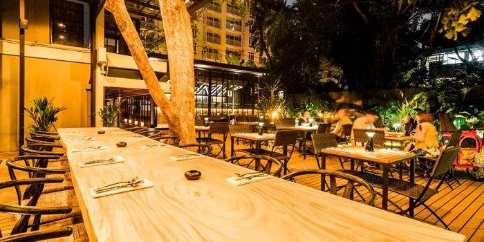 Outdoor Ambience from Link Cuisine & Bar at Yen Akat Road, Chong Nonsi, Yan Nawa, Bangkok