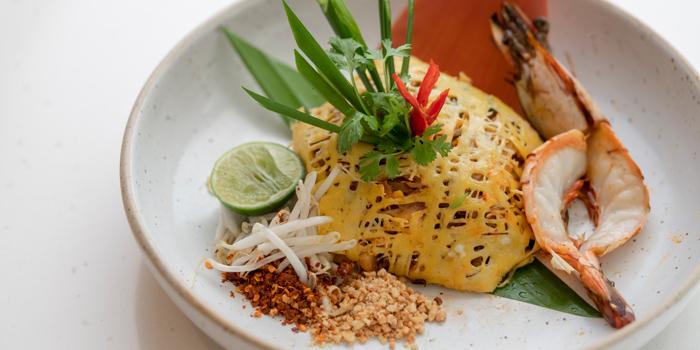 Pad Thai from Bistro M at Marriott Executive Apartments 60 Soi Langsuan, Lumpini Pathumwan, Bangkok