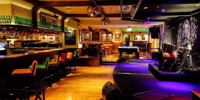 Interior 1 at The Tavern, Aryaduta