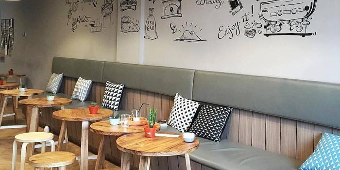 Interior 1 at ASAGAO coffee house, Gading Serpong