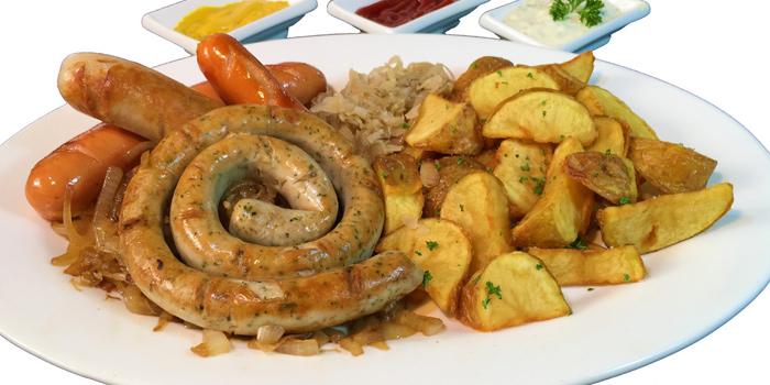 Mixed Sausages from The Witch Antiques & Restaurant at Muban Seri Villa Alley, Lane 2 Nong Bon, Prawet Bangkok Thailand