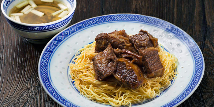Tossed Noodles with Beef Brisket from Mak