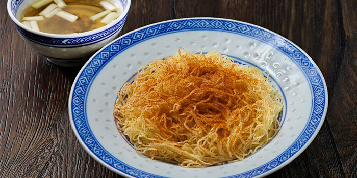 Tossed Noodles with Dried Shrimp Roe from Mak