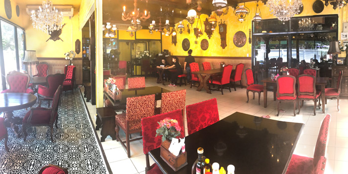 The Dining Room from The Witch Antiques & Restaurant at Muban Seri Villa Alley, Lane 2 Nong Bon, Prawet Bangkok Thailand