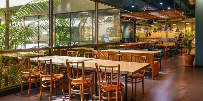 Dining Area of Viet Concept at Glowfish Dining Hall Sathorn Thani 2, 2nd Floor Naradhiwas Road, Silom, Khet Bangrak Bangkok
