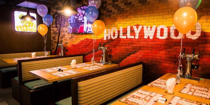 Ambience of Cali-Mex Bar and Grill at Holiday Inn Sukhumvit Hotel Ground Floor, 999/34, Sukhumvit Rd. Khlong Tan, Khlong Toei Bangkok