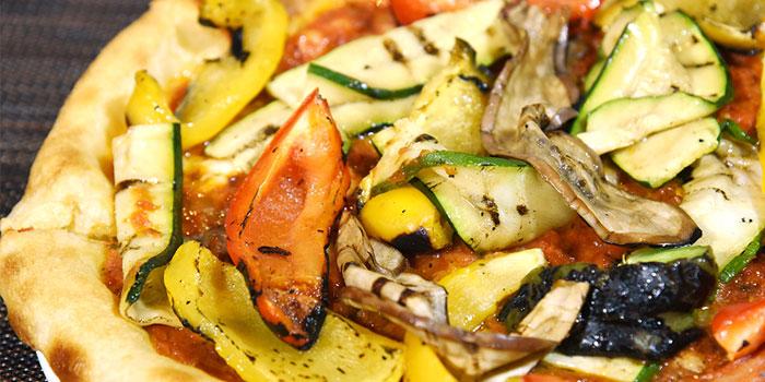 Grilled Vegetables Pizza, The Italian Club Wine Bar, Steak House & Pizza Gourmet, SOHO, Hong Kong