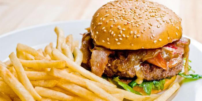 Burger at Rider